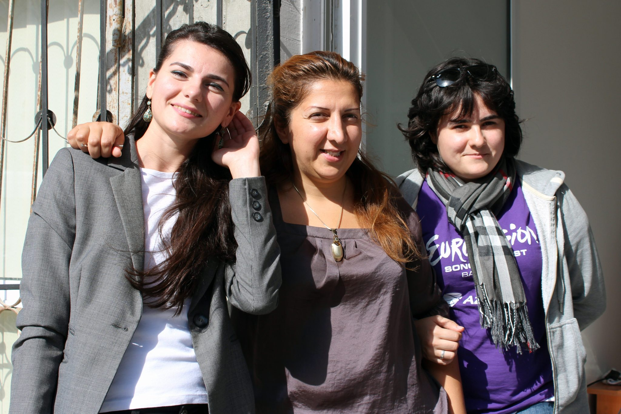 Women activists from Azerbaijan who encourage young women to stand up for a peaceful settlement of the Nagorno-Karabakh conflict. Photo: Karin Råghall / Kvinna till Kvinna