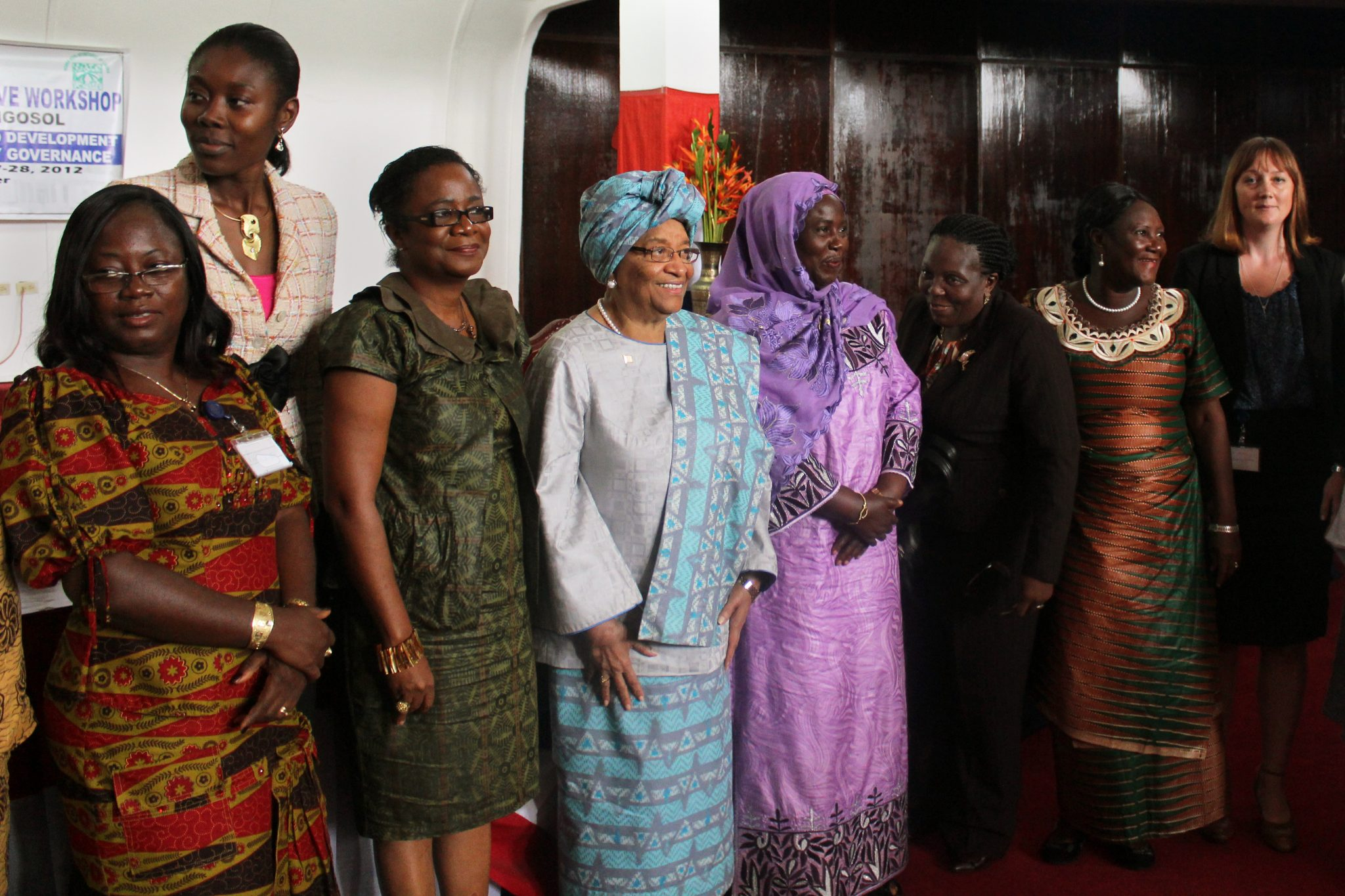 The Liberian women's movement gathered in Monrovia to discuss women's political participation. President Ellen Johnson Sirleaf (centre, in blue) attended. Photo: Christina Hagner / Kvinna till Kvinna