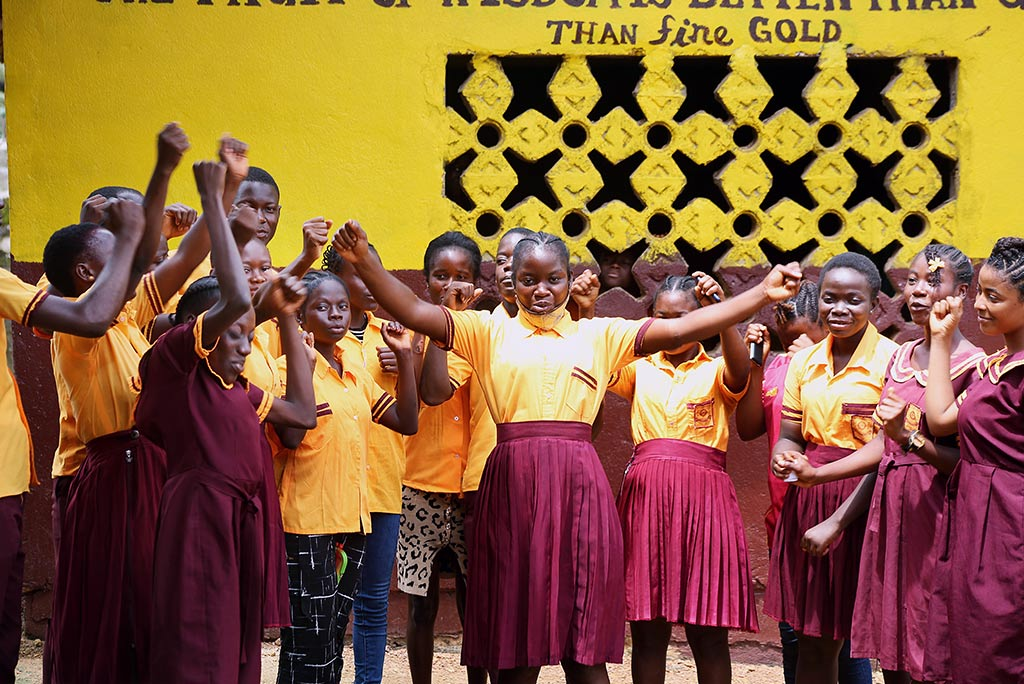 Through Kvinna till Kvinna's partner organisation WORIWA's peer club, 18-year-old Oline Bule has gathered the courage to speak out against sexual gender-based violence. Photo: Wolobah Sali